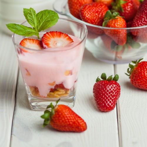Рецепт                  Клубничный десерт с йогуртом и хлопьями