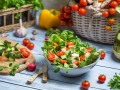 Что приготовить на 8 марта: ТОП-5 салатов из курицы и овощей