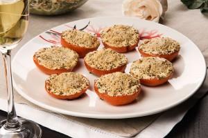 Запеченные помидоры с травами и сыром