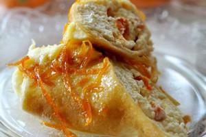 Блинчики с творогом, запеченные под апельсиново-сливочным соусом
