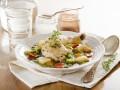 Куриные бедрышки с весенними овощами: три вкусные идеи