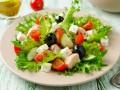 Салаты на 8 марта: Греческий салат с тунцом