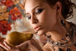 Любители фруктов обычно скромны в отношениях с противоположным полом