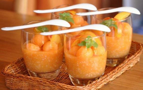 Рецепт                  Десерт из дыни и нектарина