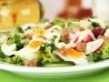 Весенний салат из редиса и яиц