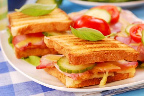 Рецепт                  Сэндвичи с сыром и ветчиной