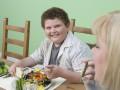Ученые: Детей нельзя заставлять есть больше, чем они хотят