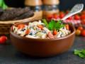 Как приготовить салат с курицей, сыром, грибами и помидорами