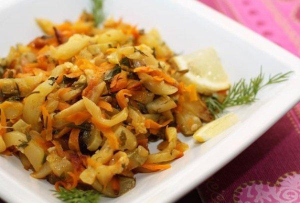 Рецепт                  Тушеные кабачки с морковью