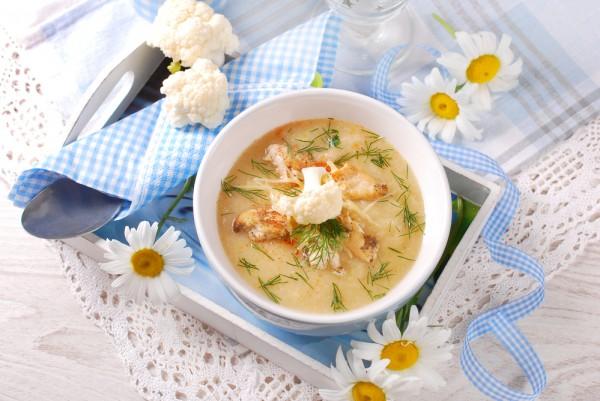 Суп из цветной капусты с курицей