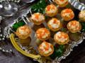 Рецепты на Новый год: Салат из кальмаров в корзинках
