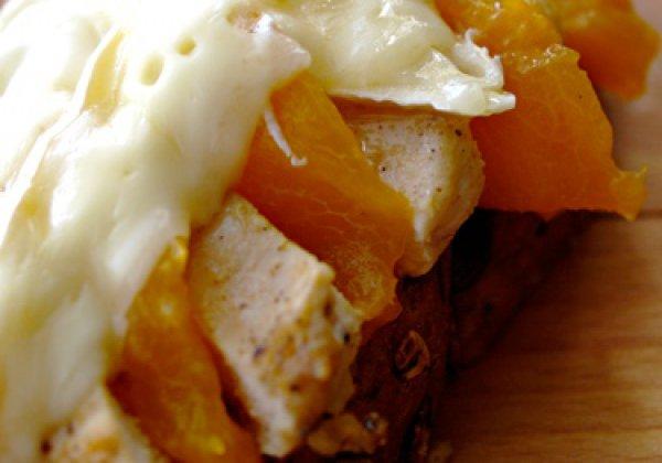 Рецепт                  Куриное филе с абрикосами и сыром