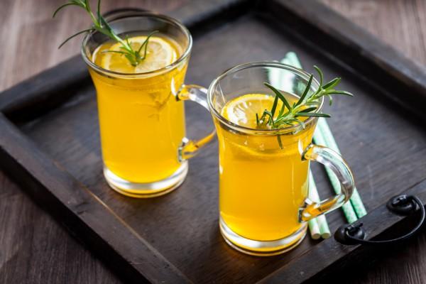 Имбирный лимонад с розмарином