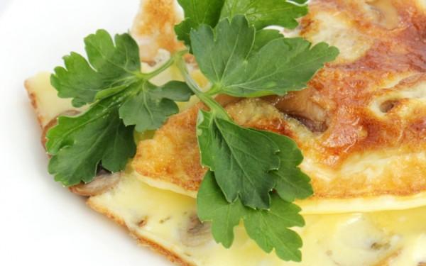 Рецепт                  Простой омлет с зеленью и сметаной