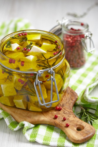 Рецепт                  Маринованный сыр с овощами