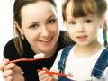 Как правильно детям чистить зубы