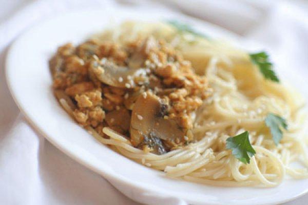Рецепт                  Спагетти с фаршем и грибами