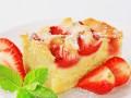 Как приготовить клубничный пирог с корицей