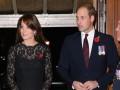 Кейт Миддлтон и королева Елизавета II почтили память погибших в войнах