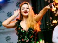 Тина Кароль выпустила новую песню о любовном треугольнике