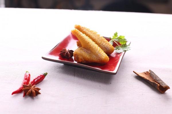 Рецепт                  Куриные крылышки в томатном маринаде