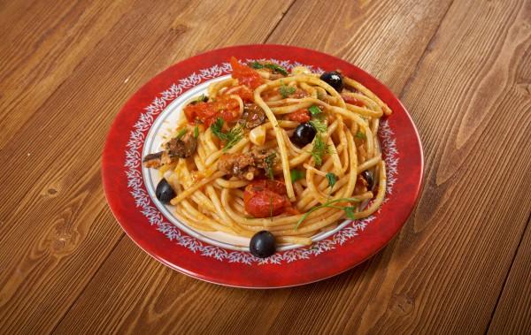 Рецепт                  Спагетти а-ля путтанеска