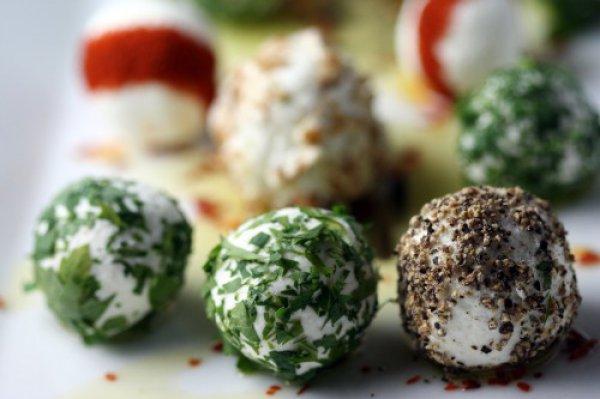 Рецепт                  Сырные шарики из брынзы