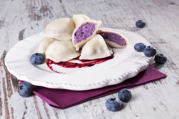 Вареники с ягодно-творожной начинкой