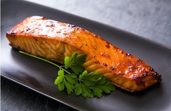 Рецепт                  Запеченный лосось в соевом маринаде