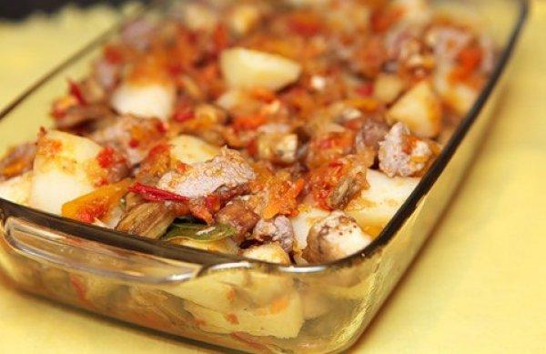 Рецепт                  Запеченное мясо с баклажанами