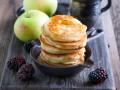 Блины с яблоками: Три осенние идеи
