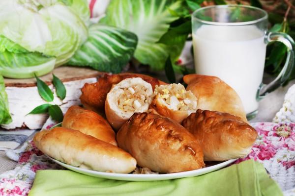 Рецепт                  Пирожки с молодой капустой и яйцом