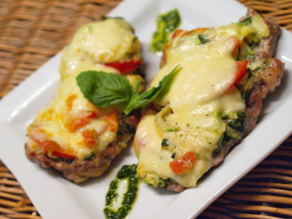 Рецепт                  Шницель с помидорами и кабачками