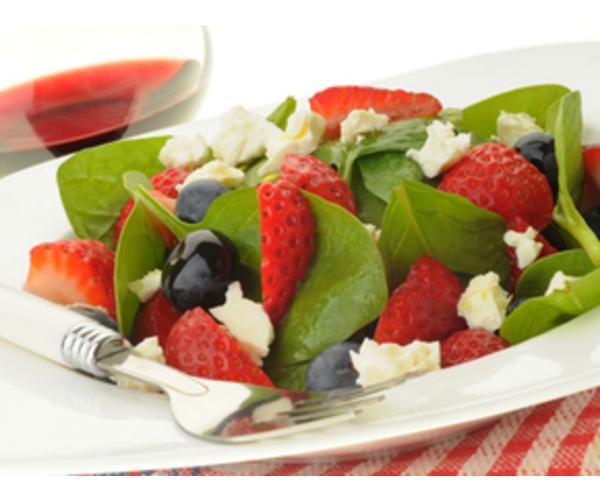Рецепт                  Салат с ягодами и фетой