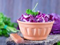 Салат из краснокочанной капусты: три вкусные идеи