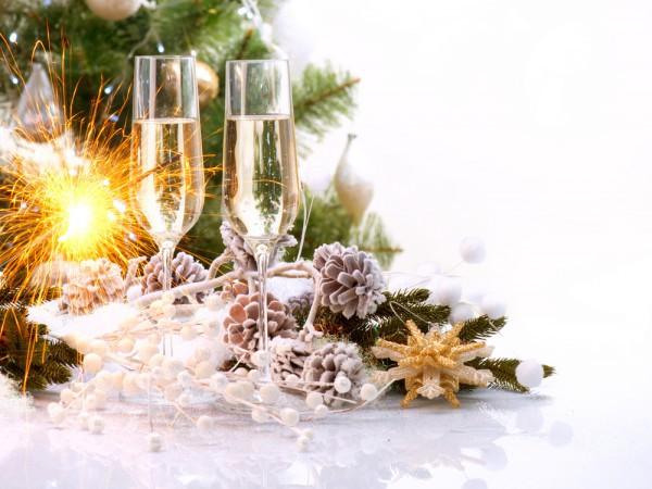 Шампанское - главный новогодний напиток