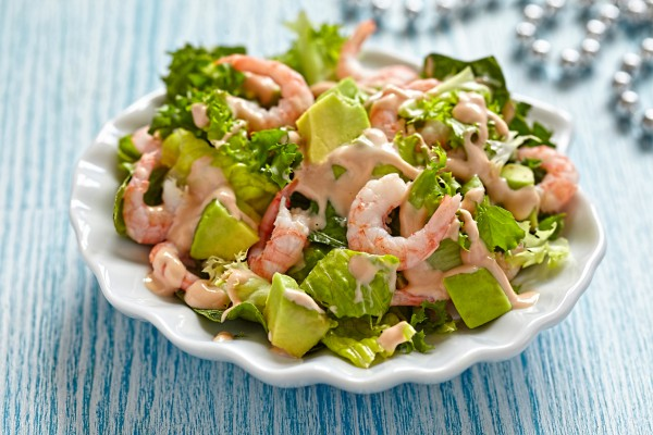 Рецепт                  Новогодний салат из креветок и авокадо