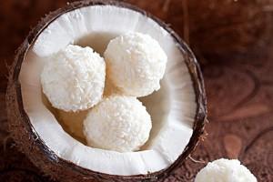 Домашние конфеты в кокосовой стружке