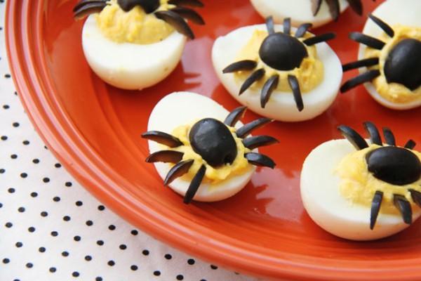 Рецепт                  Фаршированные яйца на Хэллоуин