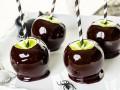 Как приготовить яблоки в черной карамели на Хэллоуин