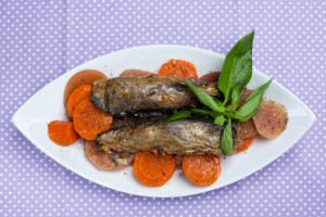 Рыба, фаршированная овощами