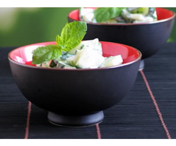 Рецепт                  Салат из огурцов, йогурта и мяты