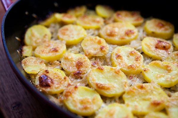 Рецепт                  Картофельный гратен с луком