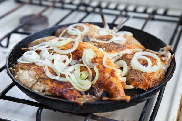 Рецепт                  Жареная рыба с луком