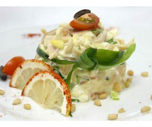 Рецепт                  Салат из кальмаров с кукурузой