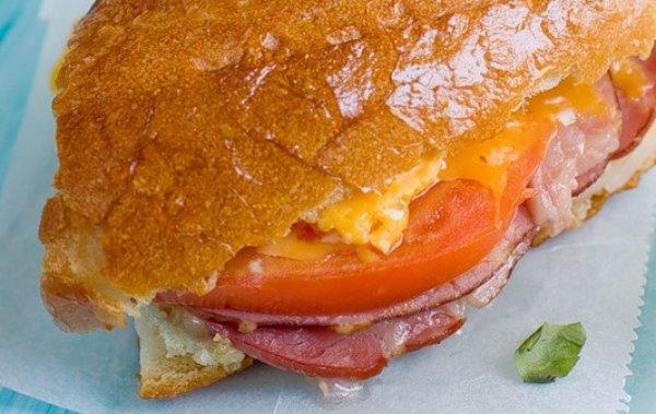 Рецепт                  Сытный завтрак: Теплый яичный сэндвич