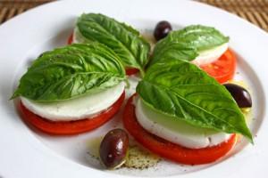 Капрезе - одно из главных блюд итальянской кухни