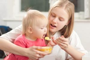 Если твой ребенок ест неохотно, вовлеки его в процесс приготовления блюда