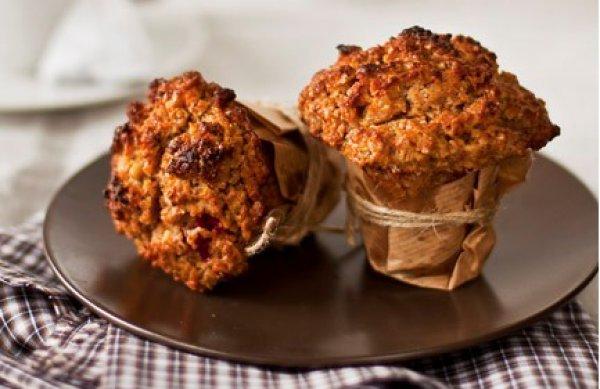 Рецепт                  Маффины с яблоками и орехами на завтрак