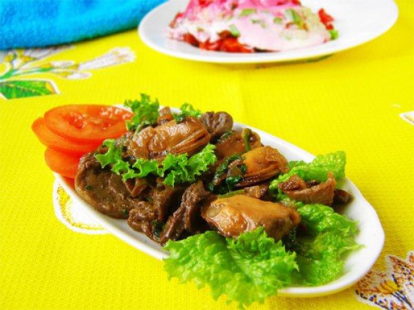 Рецепт                  Теплый салат из мидий с грибами